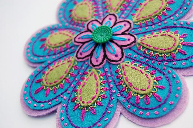 Вышивка бисером по фетру цветы