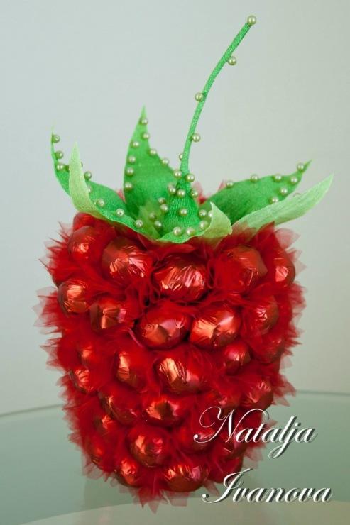 Как сделать конфеты из ягод 543