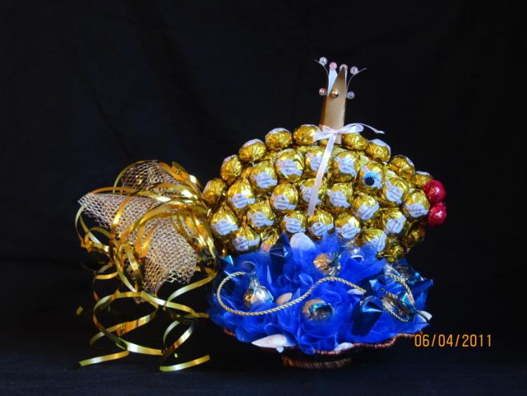 Золотая рыбка из конфет своими руками пошаговое фото для начинающих