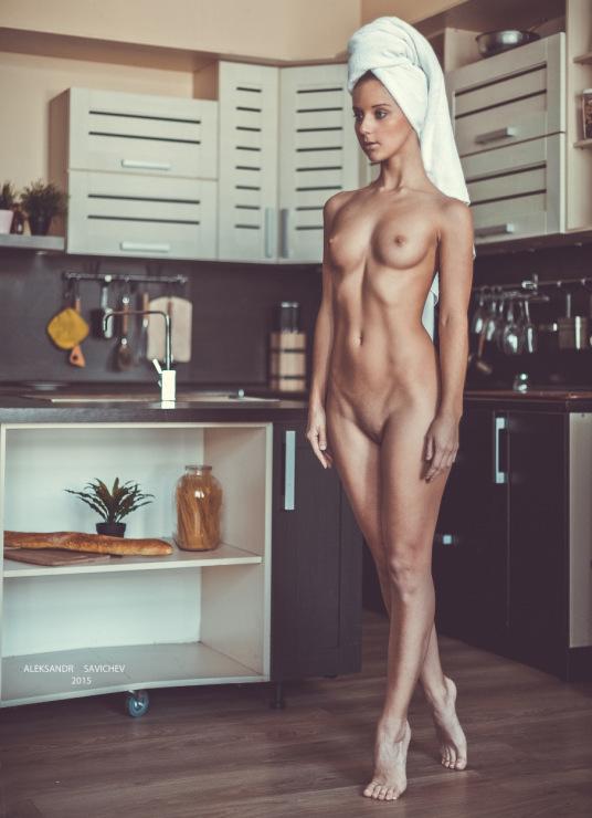 foto-golie-devushki-na-kuhne